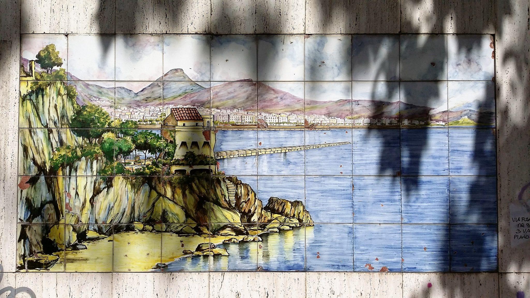 I pannelli di ceramica vietrese a salerno: elementi di arredo urbano