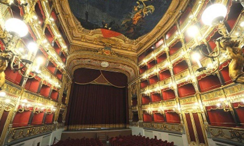 Il Teatro Verdi apre le porte gratuitamente ad otto musicisti.