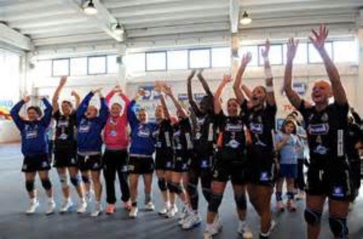 UNISA: al Senato Accademico le campionesse della Jomi Salerno al V scudetto