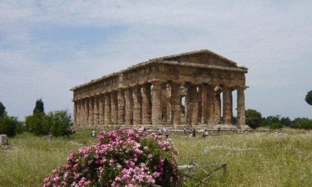 Crisi del turismo in Cilento, Paestum regge.