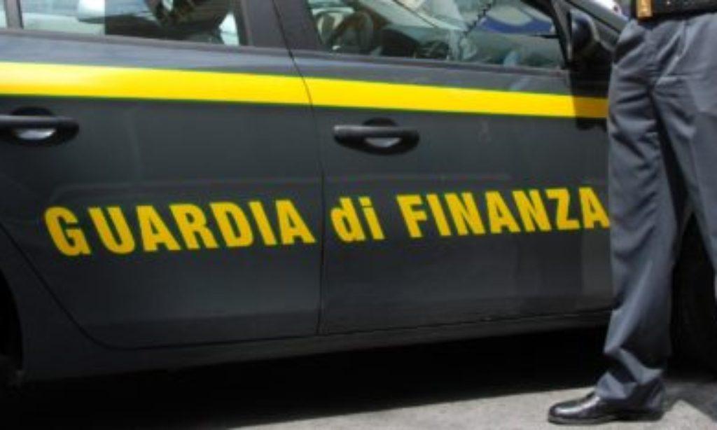 Napoli: a scuola con la Guardia di Finanza