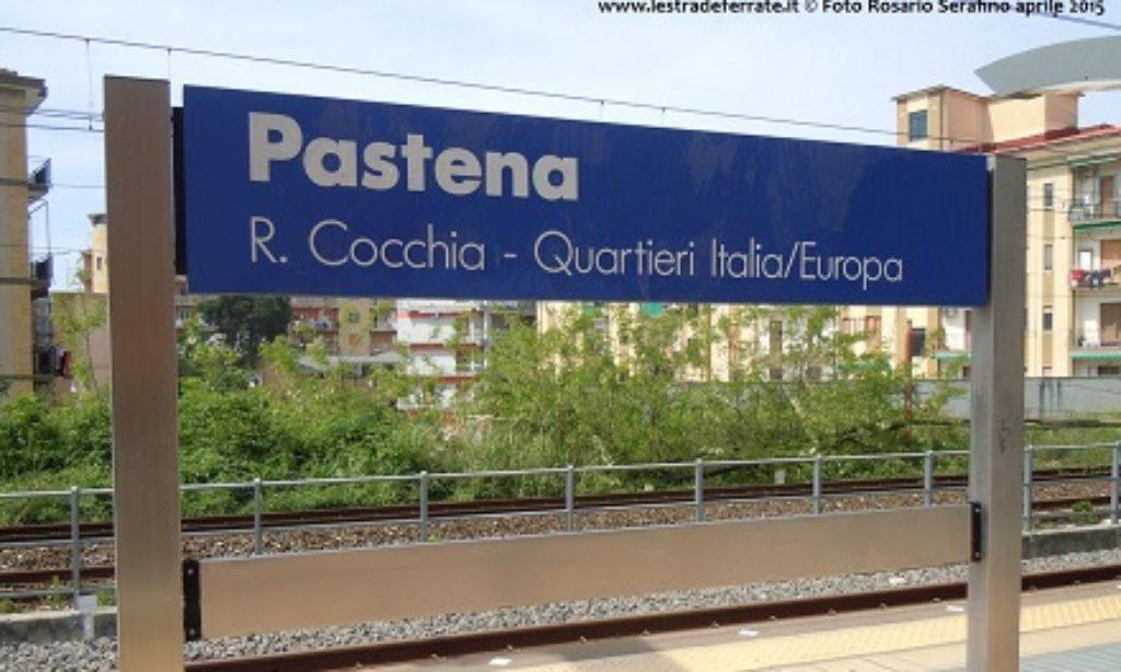Tragedia a Salerno: una donna muore lanciandosi sotto un treno in corsa