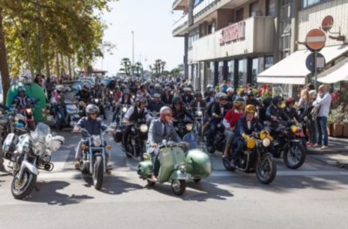 "Moto e solidarietà viaggiano su due ruote con ""The distinguished gentleman ride"""
