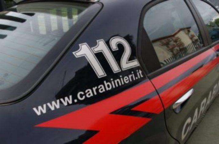 Salerno: Sferra tre fendenti al marito mandandolo in ospedale