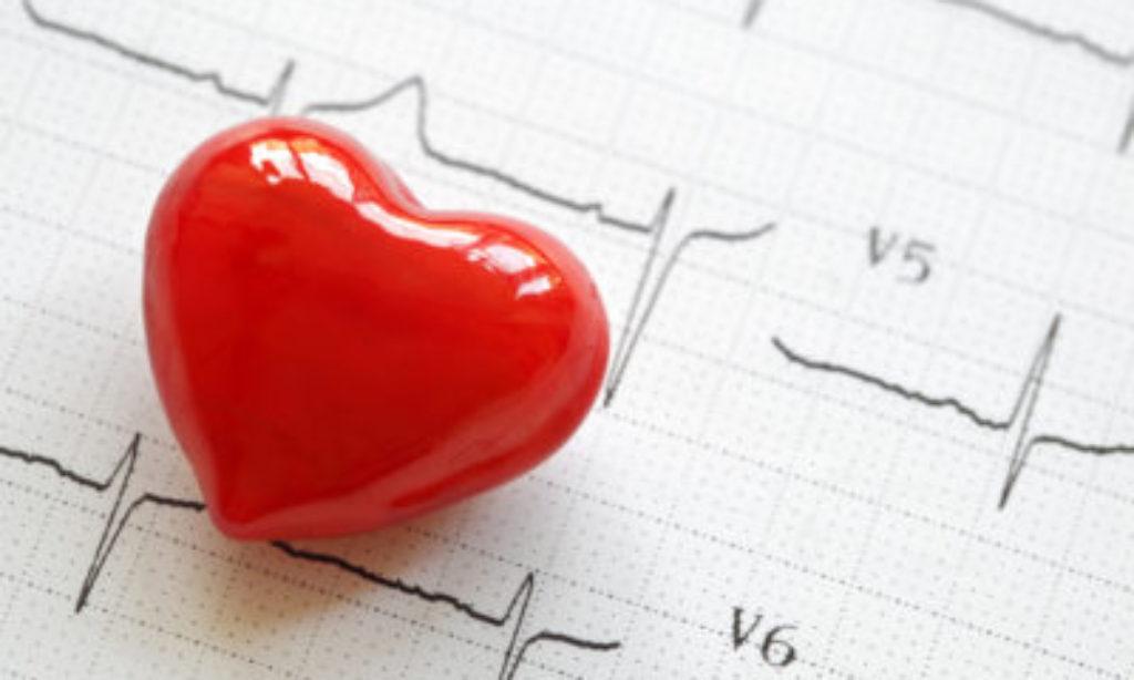 Alla Farmacia SAIT analisi gratuita del colesterolo plasmatico totale.