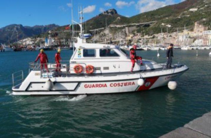 Inquinamento in mare: esercitazione della Guardia Costiera di Salerno
