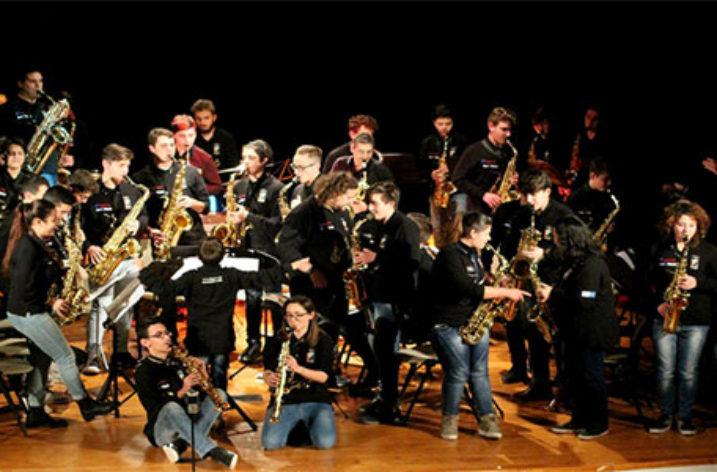 """La Musica dei """"Sonora Junior Sax"""" al Concerto di Natale del Giffoni Experience"""