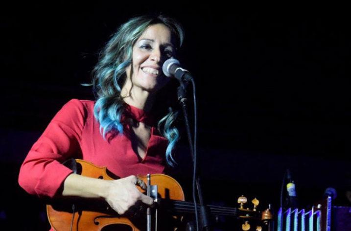 Chiara Giacobbe, la ragazza con il violino che canta le donne