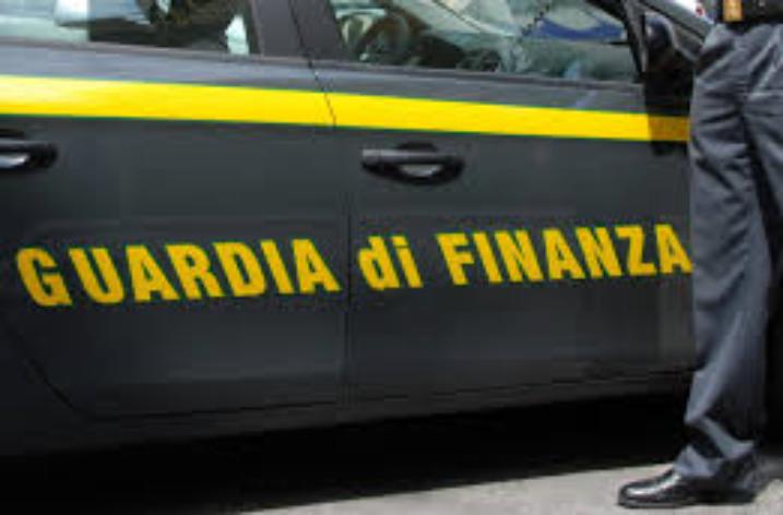 GdF Reggio Calabria: arrestato il Sindaco di Riace per favoreggiamento dell'immigrazione