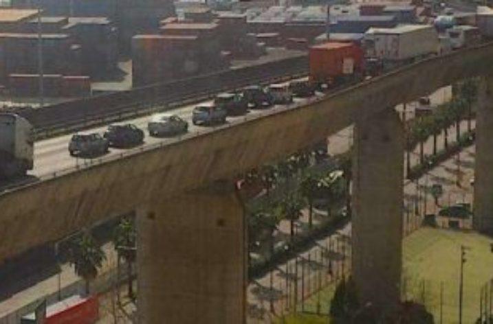 Incidente sul viadotto Gatto: città paralizzata