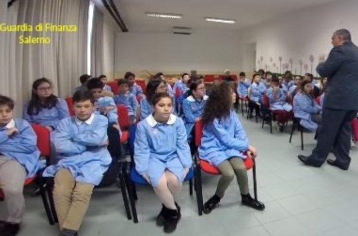 Agropoli: a scuola con la Guardia di Finanza