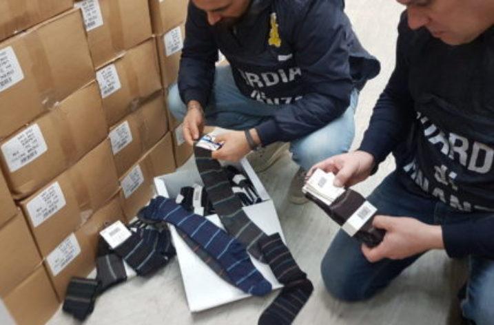 """Torino: Falso """"Made in Italy""""- sequestrati 5 milioni di capi di abbigliamento"""