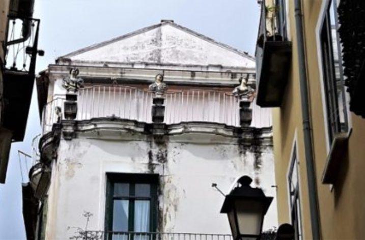 Palazzo D'Avossa nel cuore del centro storico di Salerno