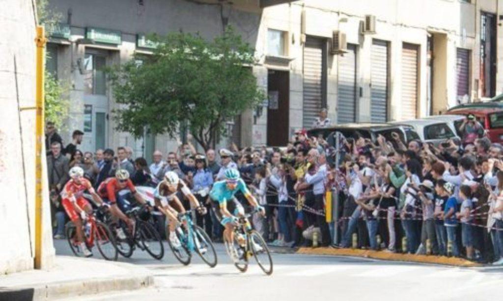 Giro d'Italia a Salerno: ordine e sicurezza tra le strade cittadine