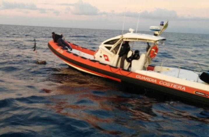 Al largo delle coste calabro ioniche soccorsi tre anziani naufraghi francesi