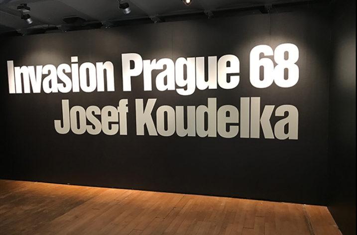 La rivoluzione di Praga e il 1968 nelle immagini di Josef Koudelka