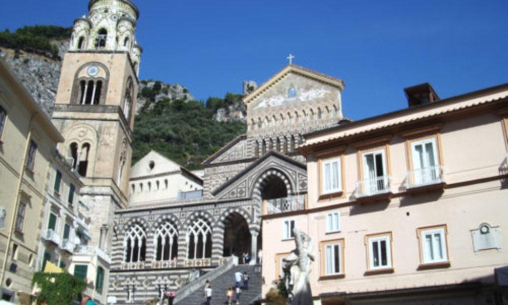 Domani ad Amalfi Loco Ironico & Sarah Jane Morris