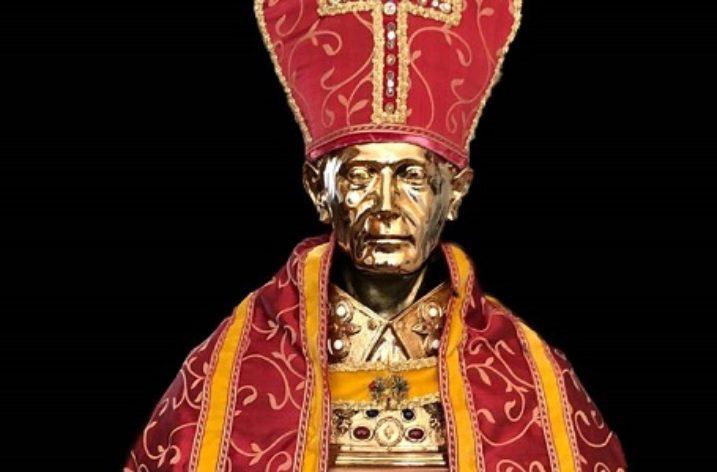 Anche Boston ha il suo San Gennaro, benedetto in Piazza San Pietro da Papa Francesco