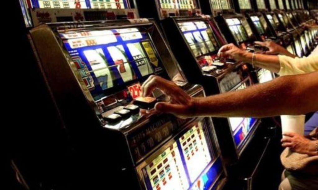Usura egioco d'azzardo, incontro al Duomo di Salerno