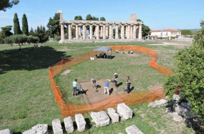 Si continua a scavare a Paestum:  tre scavi in corso nell'area archeologica
