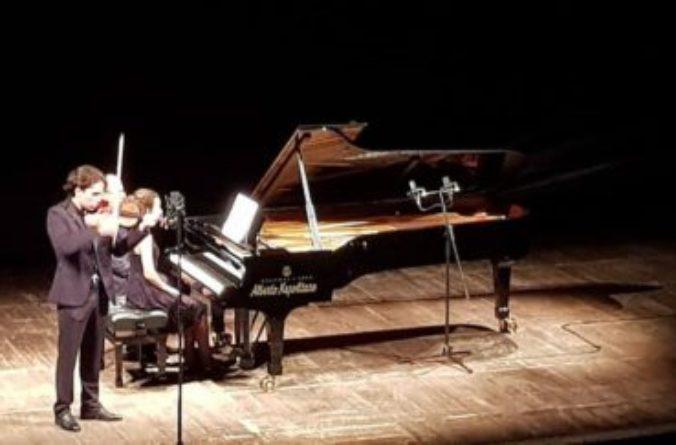 Il duo Oren – Gibboni incanta il Teatro Verdi di Salerno
