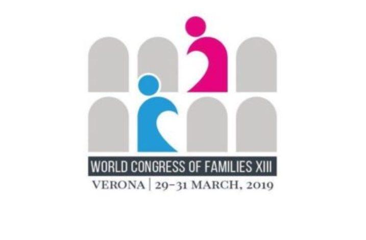Flash mob a Castellammare contro il Congresso della Famiglia di Verona