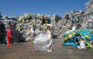 """una delle foto di Marisa Laurito alla mostra """"Transavantgarbage"""""""