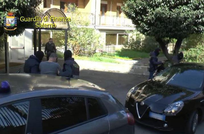 Nuova associazione mafiosa: maxisequestro, 11 arresti e complici tra gli operatori del porto di Salerno
