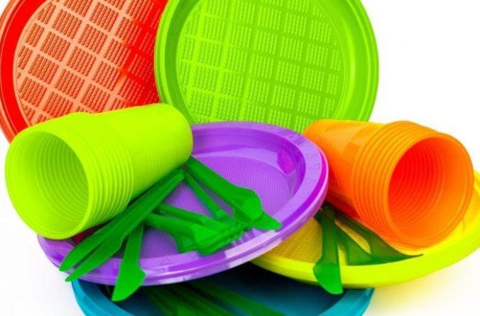 L'Europa approva lo stop a plastiche monouso dal 2021